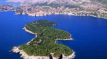 Blestemele insulei Lokrum de pe coasta dalmată