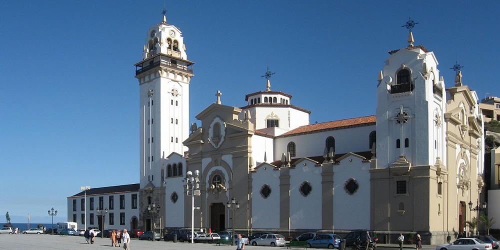 1280px-Tenerife.candelaria.exterior.basilica