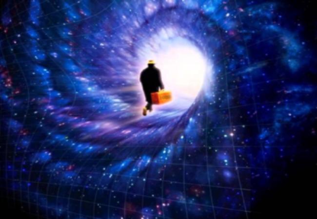 dimensions-traveler Călător în timp