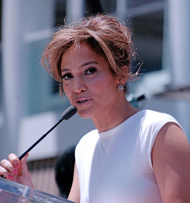 Fotografie realizată de Angela George, la ceremonia de primire a unei stele pe Hollywood Walk of Fame, în iunie 2013, sursă Wikipedia.