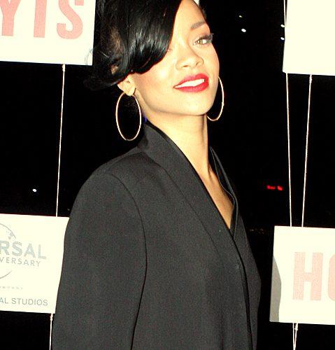 Rihanna,_2012